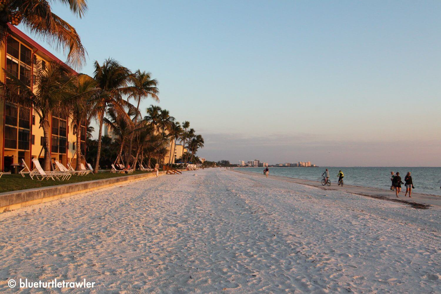Fort Myers Beach - makes the beach look alot more vast