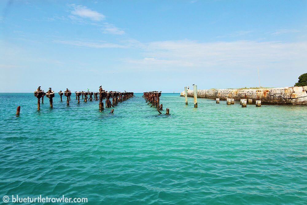 Old coaling dock ruins = great snorkeling