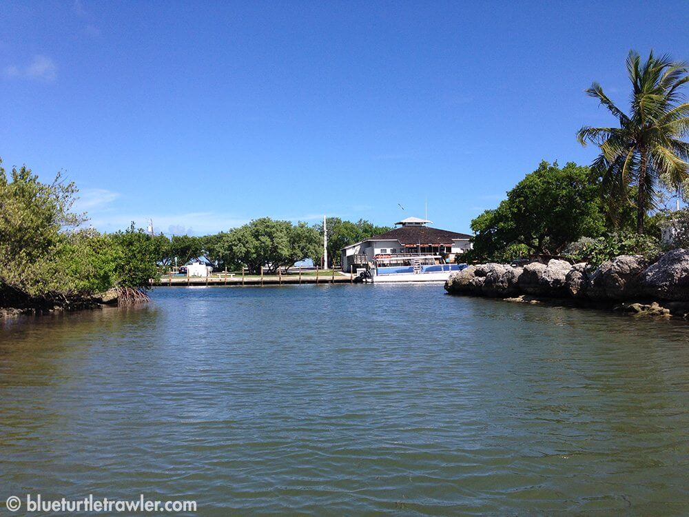 The entrance to the docks and ship store at Bahia Honda