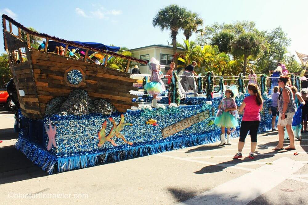 Parade floats of Shrimp Fest