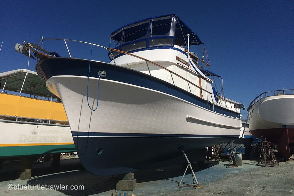 Interlux Blue bottom paint - Now Blue Turtle's exterior has completely been painted, hull and all!
